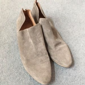Kenneth Cole gray booties